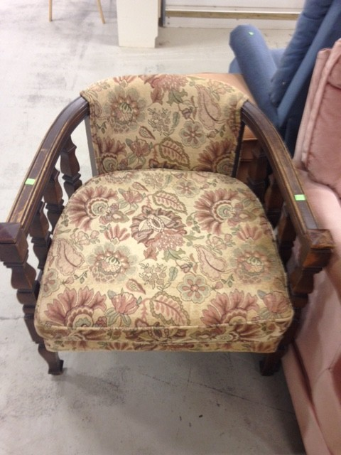 Ugly Chair Before DIY RS Muskoka