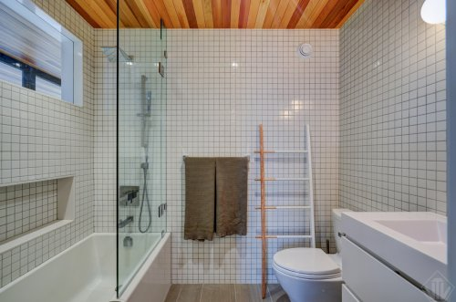 Project Portage Master Bath